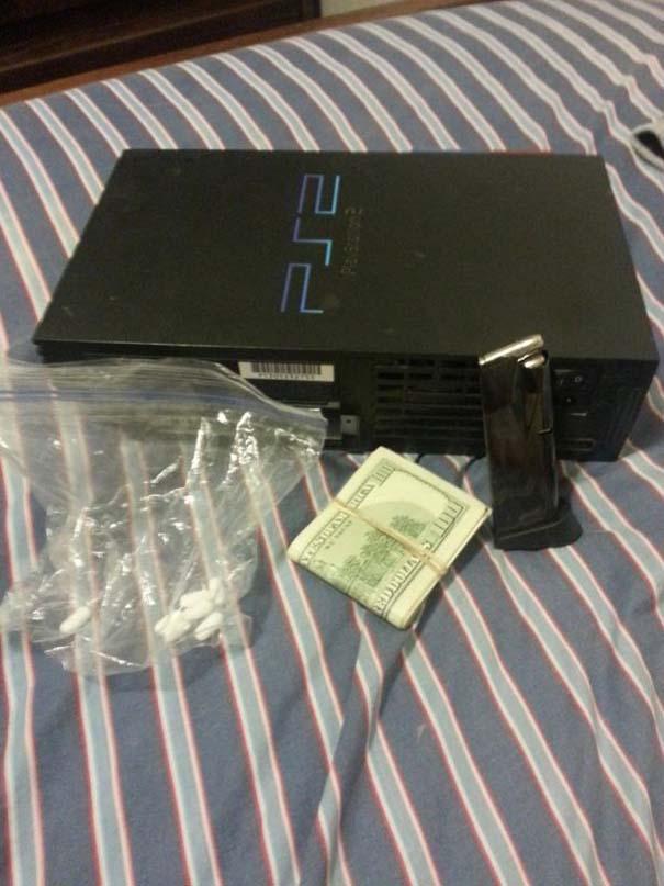 Το μεταχειρισμένο Playstation 2 που αγόρασε περιείχε μια έκπληξη (6)