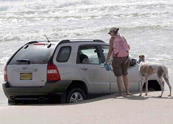 Παράξενα και τραγελαφικά σκηνικά στην παραλία (3)