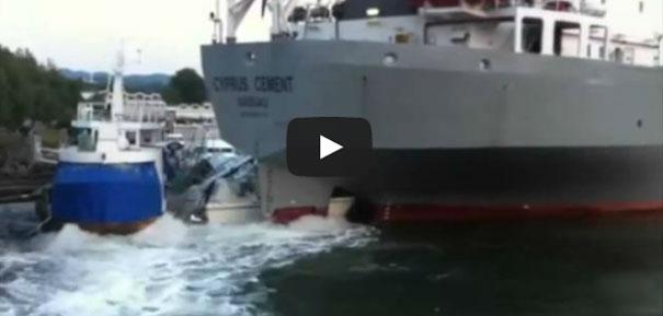 Πλοίο παρασύρει ολόκληρη μαρίνα με γιοτ στη Νορβηγία