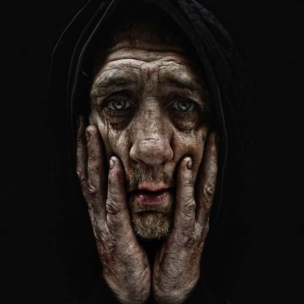 Συγκλονιστικά ασπρόμαυρα πορτραίτα αστέγων από τον Lee Jeffries (2)