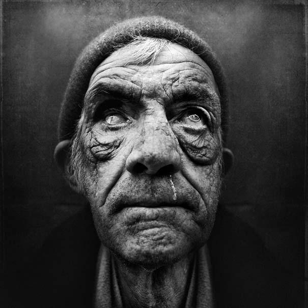 Συγκλονιστικά ασπρόμαυρα πορτραίτα αστέγων από τον Lee Jeffries (3)
