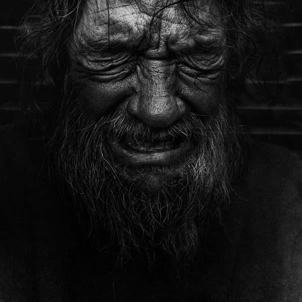 Συγκλονιστικά ασπρόμαυρα πορτραίτα αστέγων από τον Lee Jeffries (4)