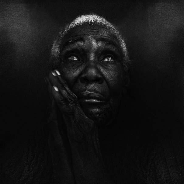 Συγκλονιστικά ασπρόμαυρα πορτραίτα αστέγων από τον Lee Jeffries (5)