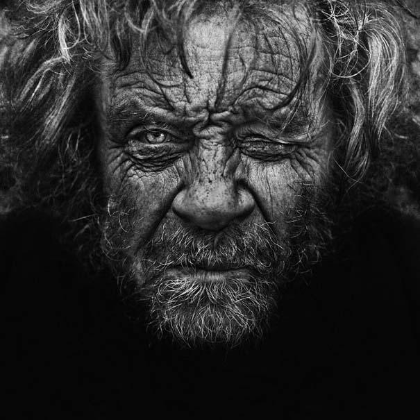 Συγκλονιστικά ασπρόμαυρα πορτραίτα αστέγων από τον Lee Jeffries (9)