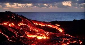 Φωτογράφος ηφαιστείων κάνει τα πάντα για την τέλεια λήψη