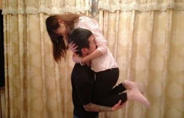 Θα αποδεικνύατε ποτέ την αγάπη σας με τέτοιο τρόπο; (1)