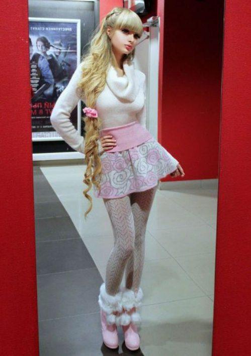 Το όνειρο της ήταν να γίνει μια ζωντανή Barbie... και τα κατάφερε (12)