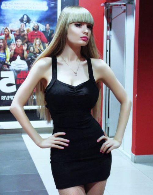 Το όνειρο της ήταν να γίνει μια ζωντανή Barbie... και τα κατάφερε (17)