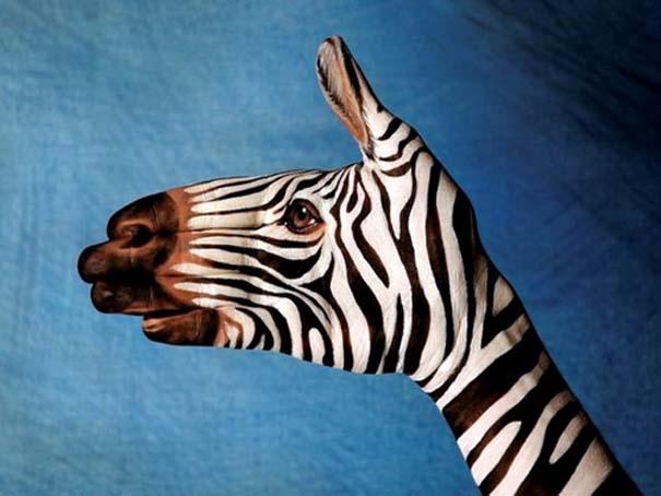 Απίστευτες ζωγραφιές ζώων σε ανθρώπινα χέρια (20)