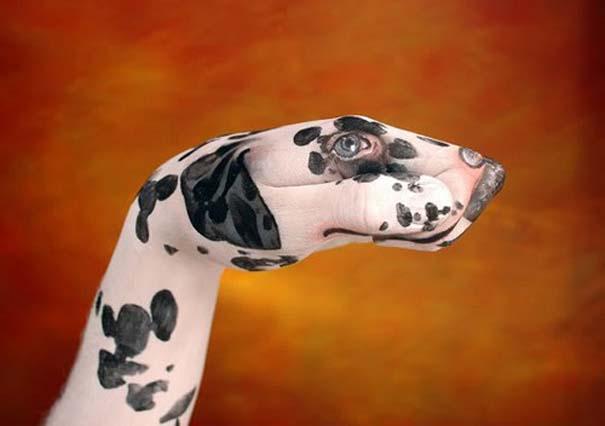 Απίστευτες ζωγραφιές ζώων σε ανθρώπινα χέρια (25)