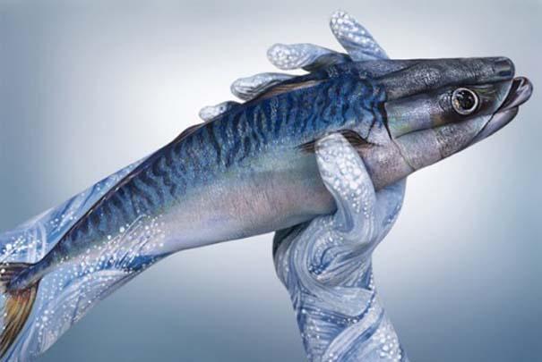 Απίστευτες ζωγραφιές ζώων σε ανθρώπινα χέρια (9)