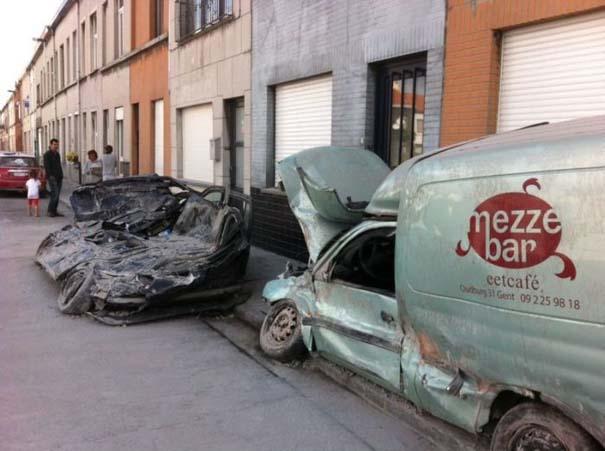 Το αποτέλεσμα της πτώσης ενός τοίχου πάνω σε αυτοκίνητα (7)