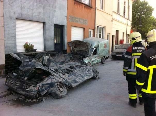 Το αποτέλεσμα της πτώσης ενός τοίχου πάνω σε αυτοκίνητα (11)