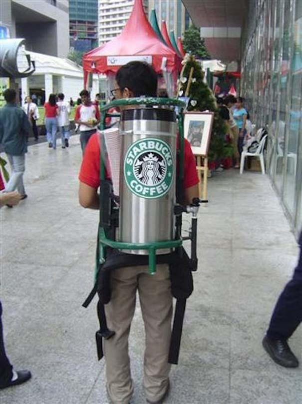 Εν τω μεταξύ, στα Starbucks... (14)