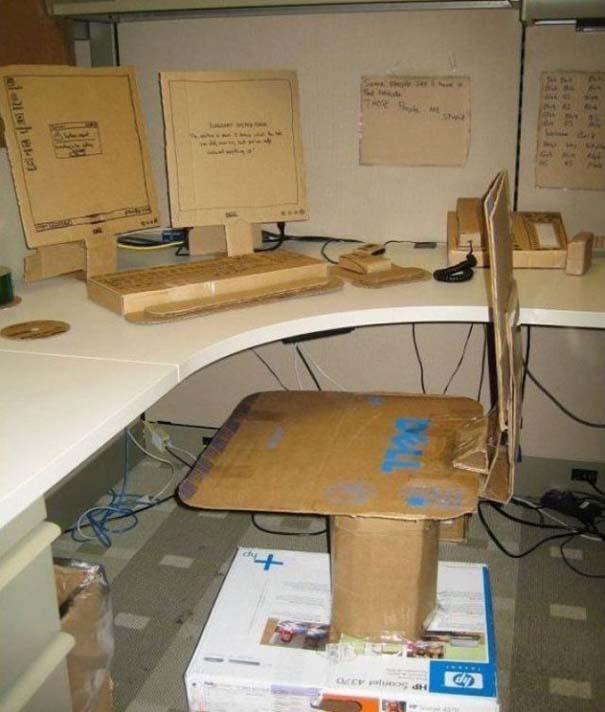 Απίθανες φάρσες στο γραφείο (18)