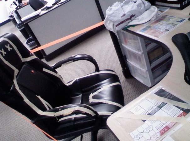 Απίθανες φάρσες στο γραφείο (23)