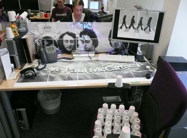 Απίθανες φάρσες στο γραφείο (24)