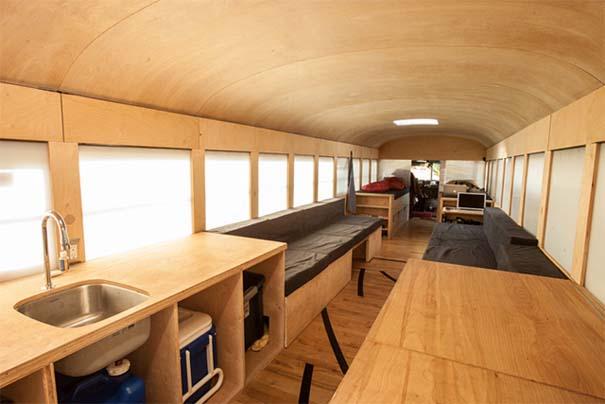 Φοιτητής κατασκεύασε εντυπωσιακό διαμέρισμα σε παλιό λεωφορείο (3)