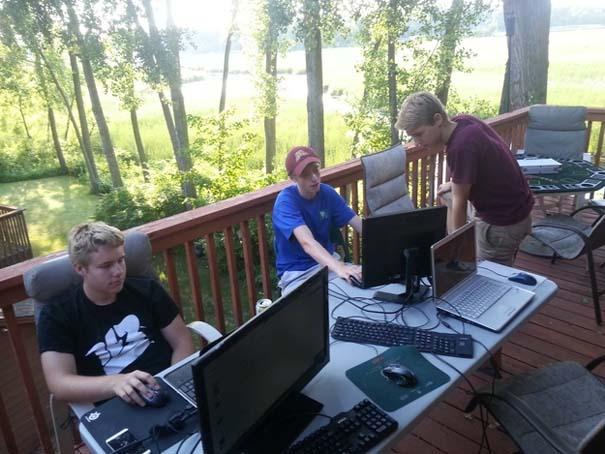 Gamers που απολαμβάνουν το καλοκαίρι (1)