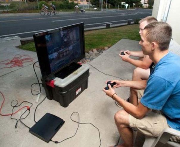 Gamers που απολαμβάνουν το καλοκαίρι (12)