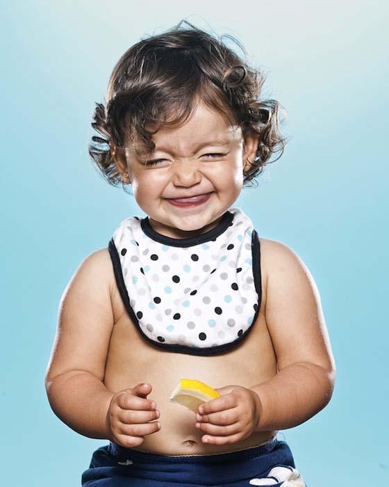 Μωρά δοκιμάζουν το πρώτο τους λεμόνι (2)