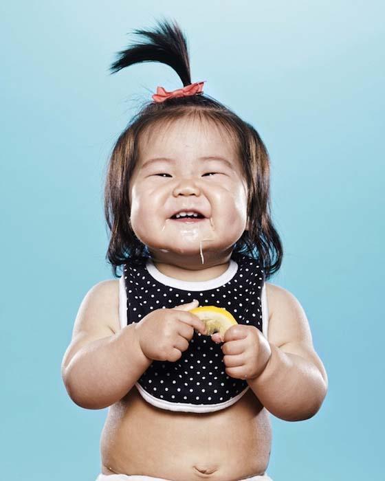Μωρά δοκιμάζουν το πρώτο τους λεμόνι (7)