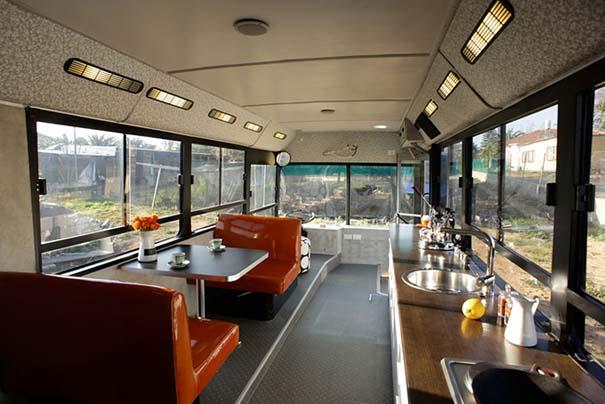 Παλιό λεωφορείο μετατράπηκε σε πολυτελές σπίτι (3)