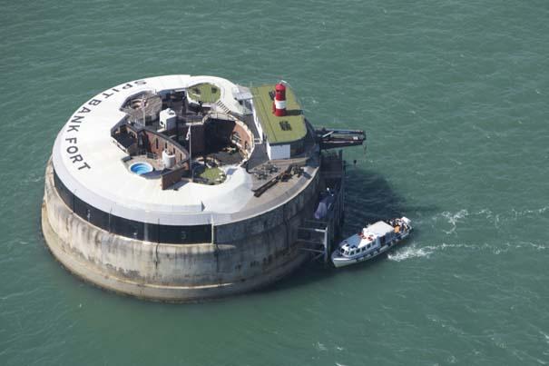 Παροπλισμένο θαλάσσιο οχυρό μετατράπηκε σε πολυτελές ξενοδοχείο (1)