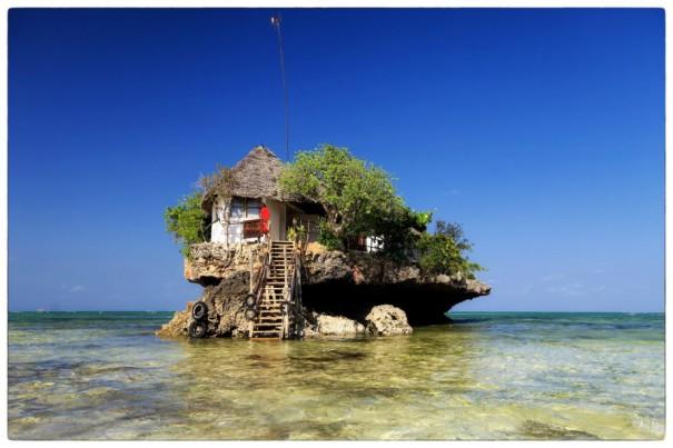 Το μικρό εστιατόριο πάνω στον βράχο   Φωτογραφία της ημέρας