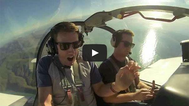 Πιλότος πήρε τον υψοφοβικό φίλο του για μια βόλτα