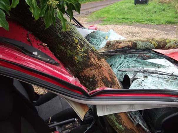 Δυο γυναίκες γλίτωσαν από ασυνήθιστο τρομακτικό ατύχημα (6)