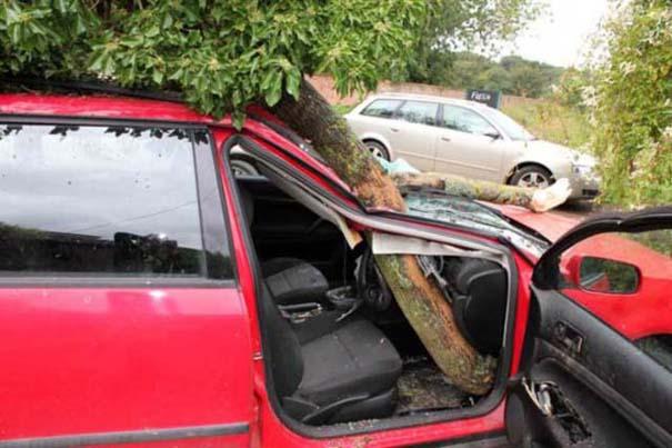 Δυο γυναίκες γλίτωσαν από ασυνήθιστο τρομακτικό ατύχημα (5)