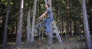 Ασανσέρ ποδήλατο για δενδρόσπιτο (Video)