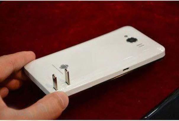 Ένα ασυνήθιστο κινητό τηλέφωνο από την Κίνα (4)