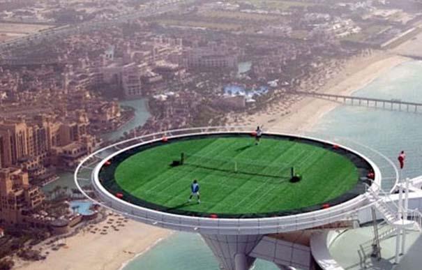 Εν τω μεταξύ, στο Dubai... (9)