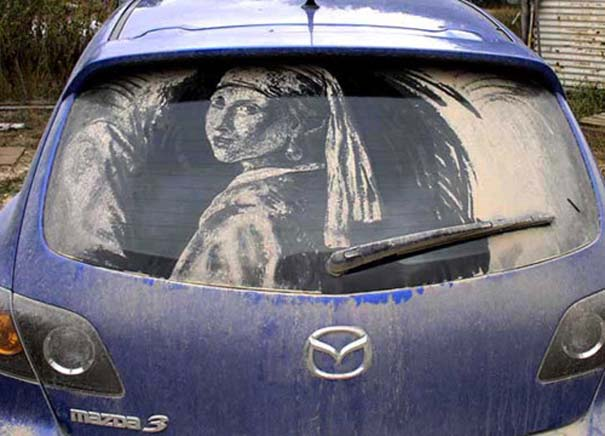 Έργα τέχνης σε σκονισμένα αυτοκίνητα (5)