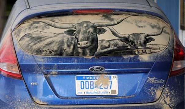 Έργα τέχνης σε σκονισμένα αυτοκίνητα (8)