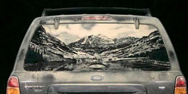 Έργα τέχνης σε σκονισμένα αυτοκίνητα (21)