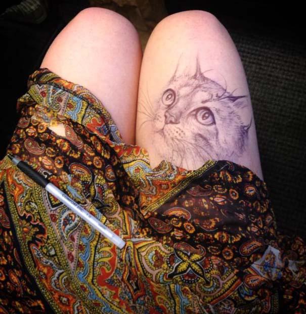 Φοιτήτρια ζωγραφίζει απίστευτα σκίτσα... στα μπούτια της! (5)