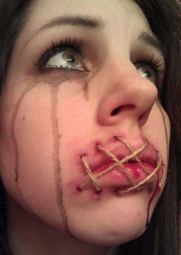 Ένα κορίτσι με ταλέντο στην τέχνη του μακιγιάζ (1)