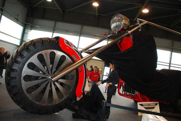 Η μεγαλύτερη μοτοσυκλέτα στον κόσμο (17)