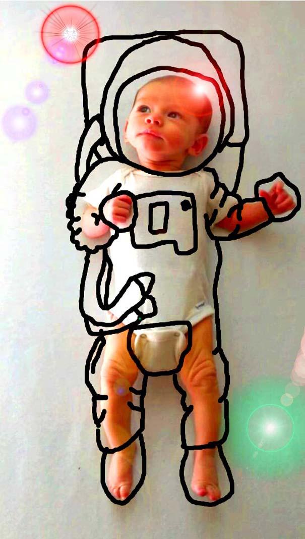Μητέρα μετέτρεψε απλές φωτογραφίες του μωρού της σε απίθανα σκίτσα (1)