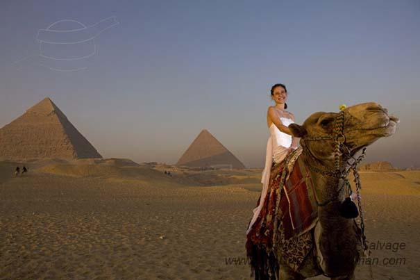 Μια νύφη φωτογραφίζεται με το νυφικό της σε όλο τον κόσμο (6)