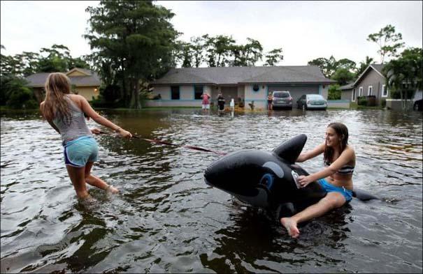 Όταν μια πλημμύρα γίνεται... αφορμή για διασκέδαση (1)