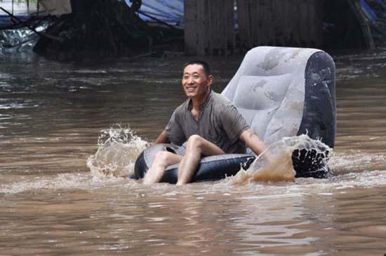 Όταν μια πλημμύρα γίνεται... αφορμή για διασκέδαση (20)