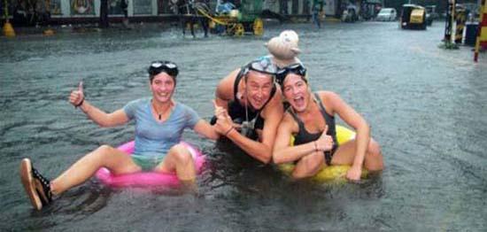Όταν μια πλημμύρα γίνεται... αφορμή για διασκέδαση (30)