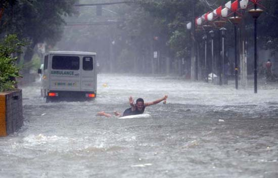 Όταν μια πλημμύρα γίνεται... αφορμή για διασκέδαση (35)