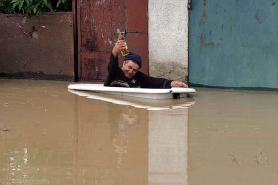 Όταν μια πλημμύρα γίνεται... αφορμή για διασκέδαση (40)