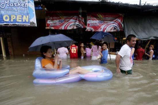 Όταν μια πλημμύρα γίνεται... αφορμή για διασκέδαση (42)