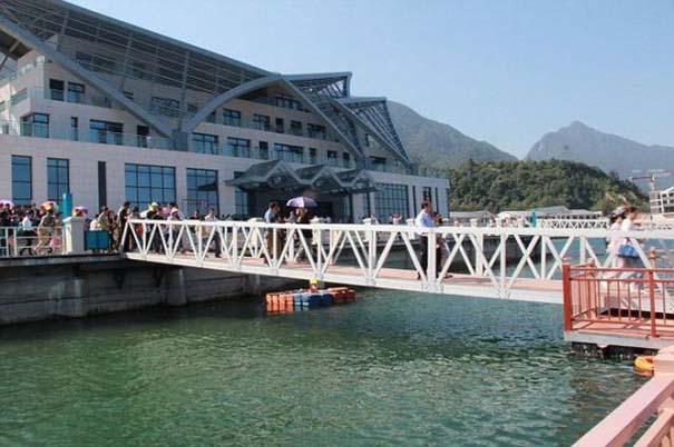 Απρόοπτο σε γέφυρα στην Κίνα (1)